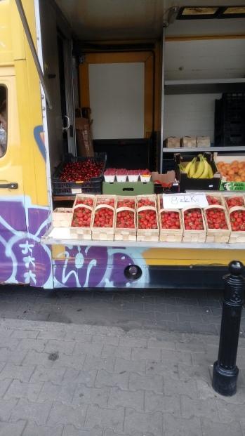 דוכן פירות ברחוב