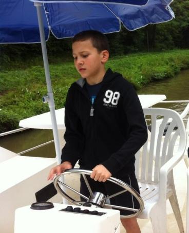כל ילד יכול להשיט את הסירה