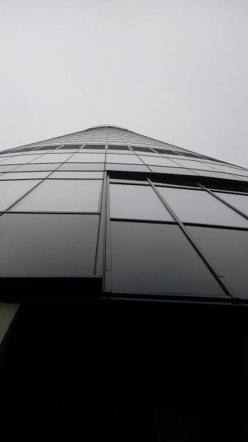 ה Sky Tower מלמטה