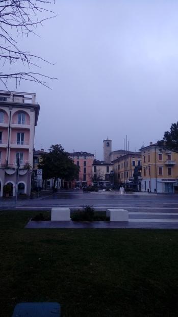 העיירה דסנזאנו דל גרדה