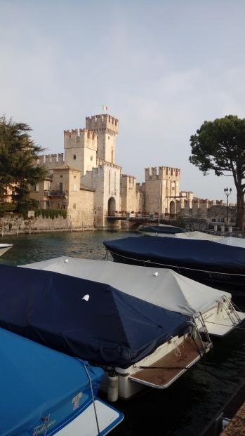 המבצר בסרמיונה