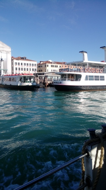 יוצאים מונציה למורנו