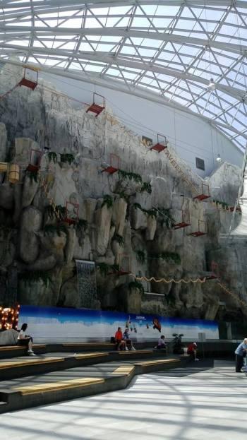 קיר טיפוס בקניון אפי
