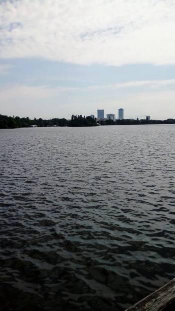 האגם הענק בפארק ראסטרו
